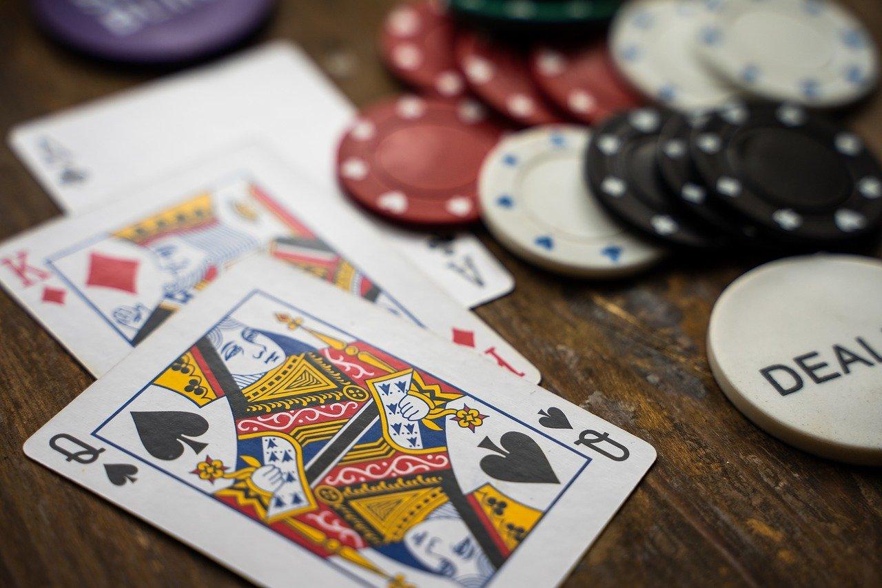 Todellinen online -blackjack vs. land casino blackjack